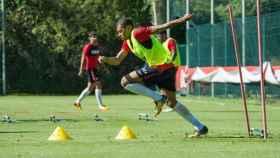 Mbappé entrenando con el Mónaco. Foto: Twitter (@AS_Monaco)