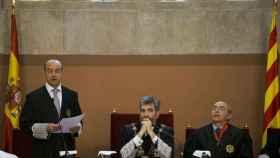 El presidente del Poder Judicial, en el centro, con el presidente del TSJ de Cataluña, a la izquierda