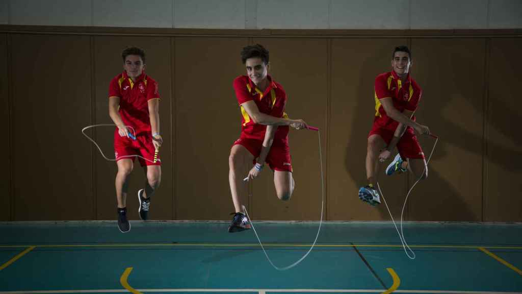 En España sólo hay dos clubes de este deporte, uno en Montilla (Córdoba) y otro en Cheste (Valencia).