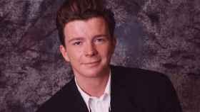 Rick Astley, de éxito del pop a trolleada encarnada