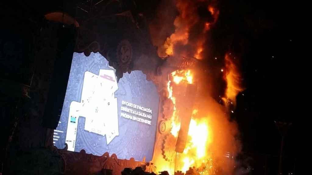 El escenario de Tomorrowland, en llamas.