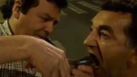 A Suso le dolía un diente. Chuchi, con las tenazas, se equivocó y le sacó dos