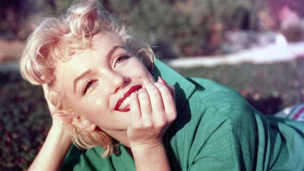 Marilyn Monroe convirtió el rojo el símbolo de sensualidad.   Foto: Getty images.