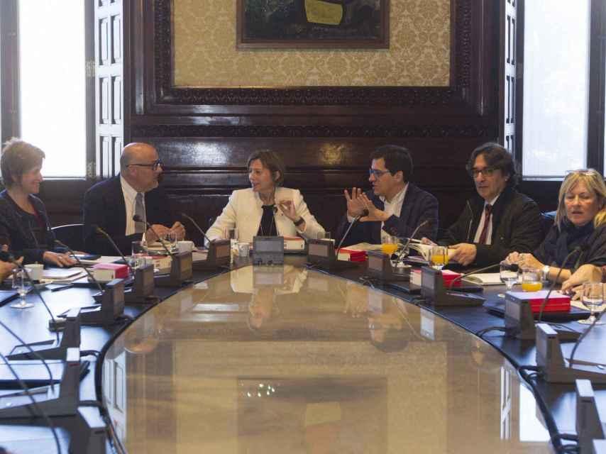 Reunión de la Mesa del Parlamento de Cataluña