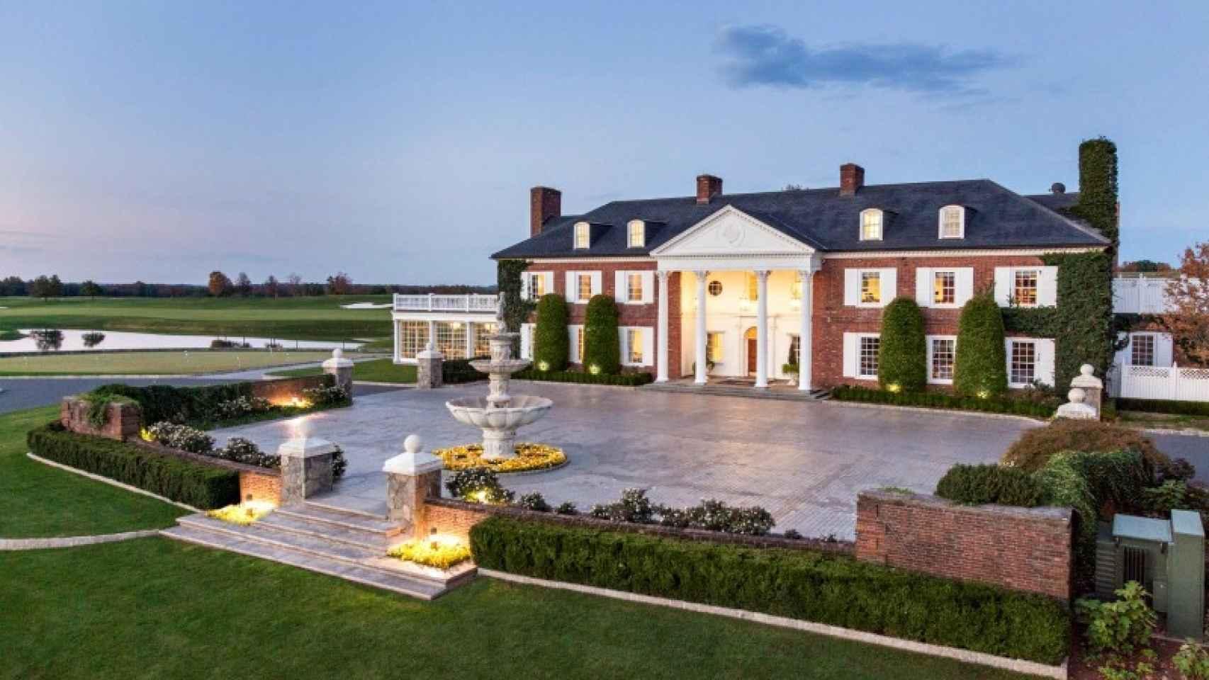 Así es el club de golf en el que veranea el presidente de EEUU