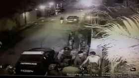 Leopoldo López en el momento de su detención por el Sebin