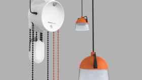 Esta lámpara alimentada con peso está revolucionando las zonas sin electricidad