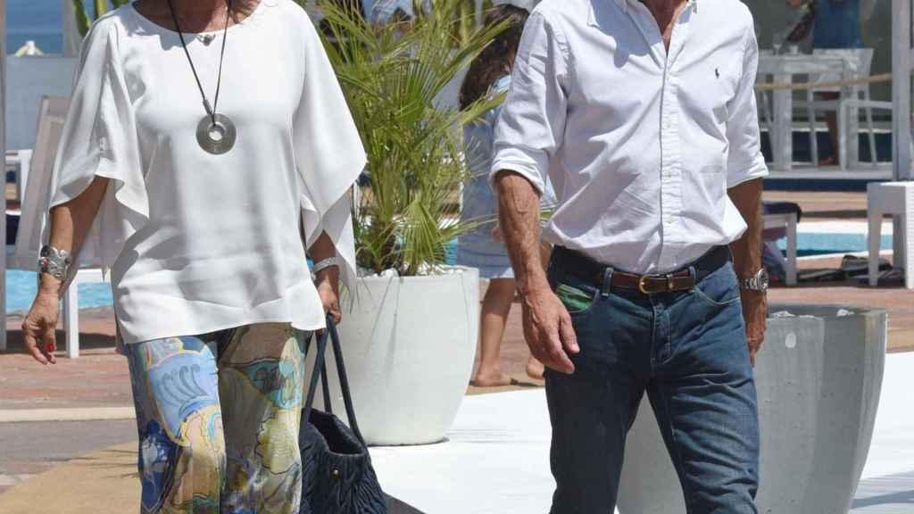 Ana Botella y José María Aznar, juntos en Marbella en 2015.