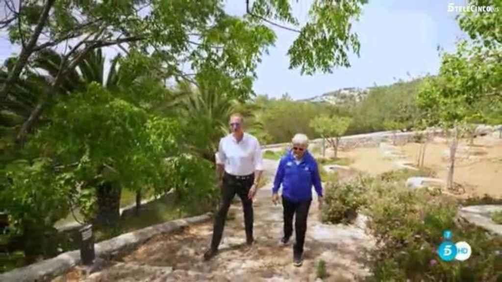 Ángle Nieto con Bertín Osborne en su casa en Ibiza durante el programa