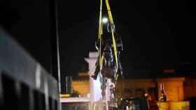 Retirada de una estatua a un general del bando confederado en Nueva Orleans