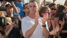 Fonsi Nieto, durante el homenaje de esta tarde a las puertas del tanatorio de Ibiza.