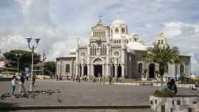 Basílica de Nuestra Señora de los Ángeles, en Cartago, donde la indígena Juana Pereira encontró una imagen de la virgen.