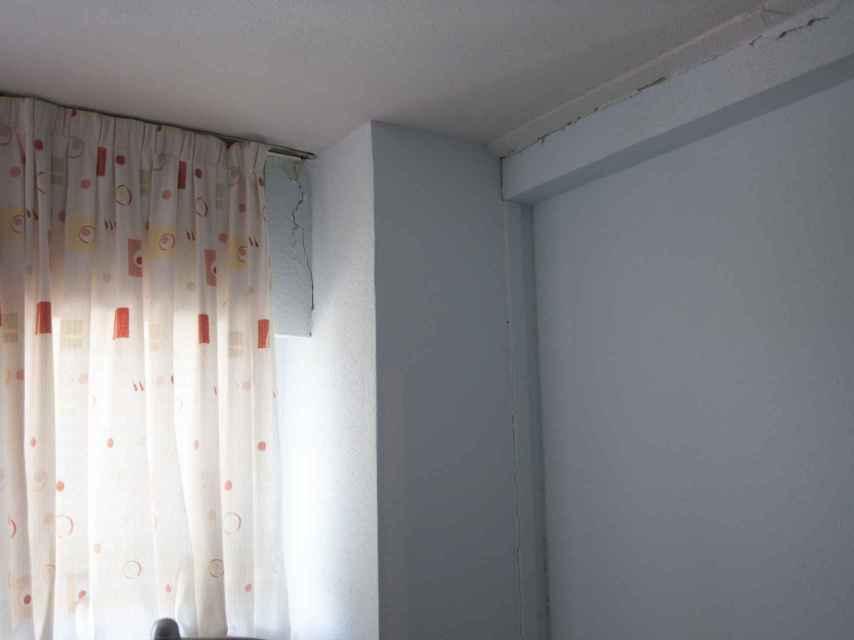 Las grietas que tiene José Luis en su habitación.