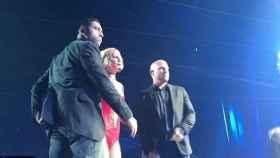 Britney Spears interrumpió el concierto cuando el asaltante subió al escenario