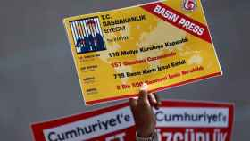 Pancarta por la libertad de prensa durante una manifestación en Estambul