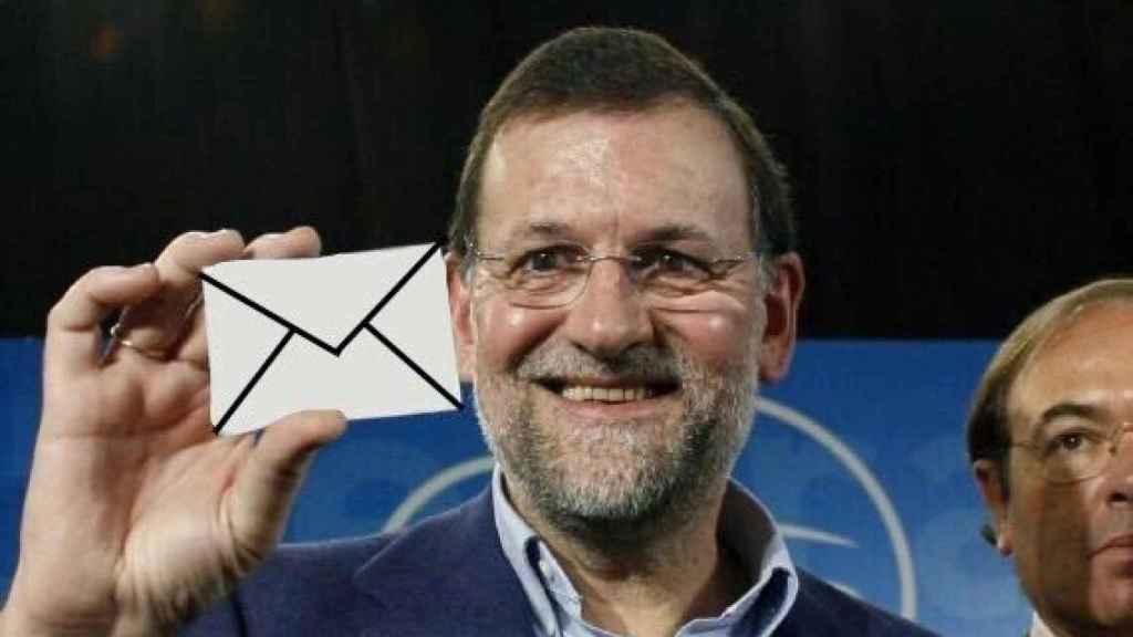 A Rajoy se le da muy bien ser un meme.