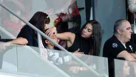 En la imagen, la madre de Cristiano Ronaldo junto al hijo del futbolista y Georgina Rodríguez.