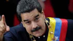 Maduro entrega a la Asamblea Constituyente su proyecto de Constitución