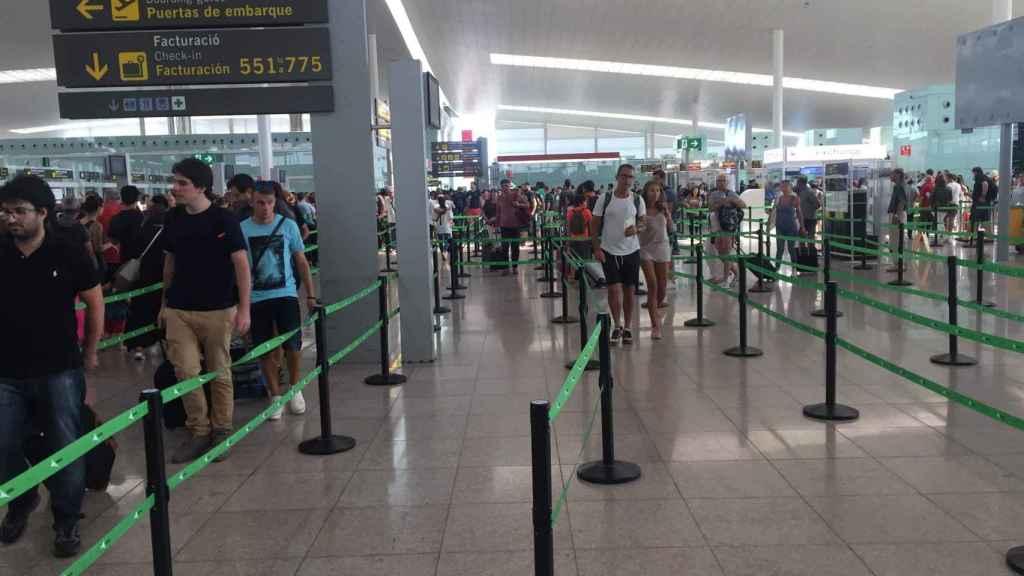 A pesar de la huelga, no hubo colapso este viernes en el Aeropuerto de El Prat