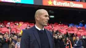 Zidane, en el Camp Nou, durante un Barcelona - Real Madrid.