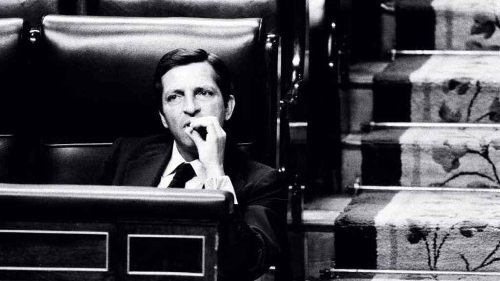 Una de las fotografías de Raúl Cancio, publicada en El País, ahora en Españoles, Franco ha muerto.