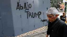 Una pintada en Caracas rechaza las criticas de Trump.
