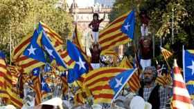 Actuación de unos 'castellers' en la manifestación independentista de la Diada de Cataluña de 2016.