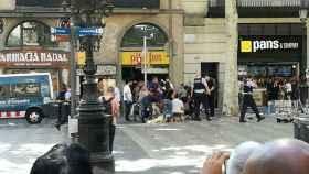 El 17-A los terroristas comenzaron su ataque con una furgoneta atropellando peatones en La Rambla de Barcelona.