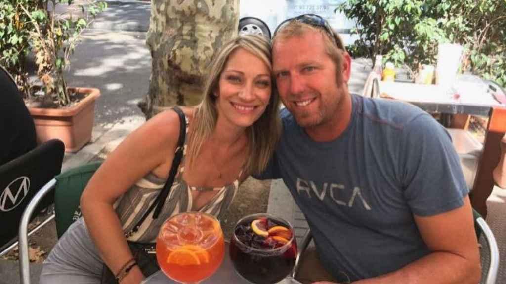 Jared Tucker junto a su esposa Heidi.