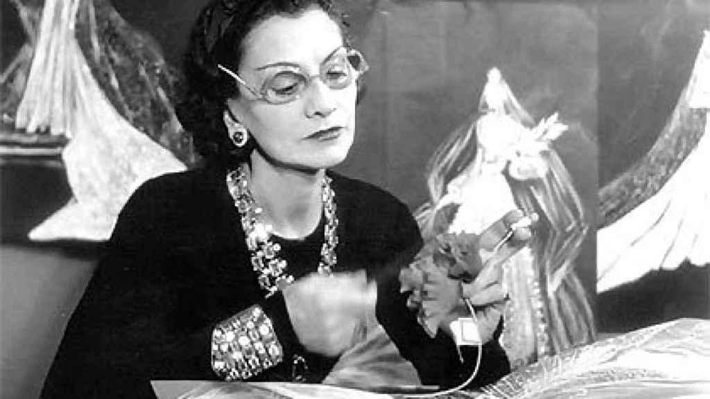 Coco Chanel,la mujer que le puso pantalones al feminismo.