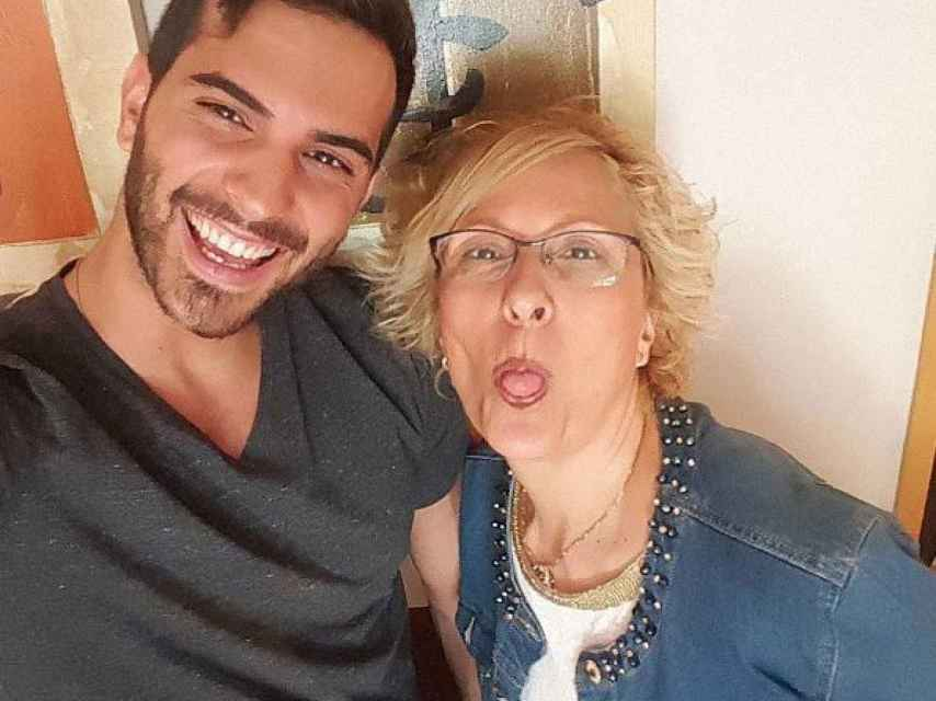Suso está muy unido a su familia y lo demuestra siempre que puede en sus publicaciones. En la imagen, junto a su madre.