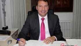 Foto.- jose manue moro, alcalde de Encinedo