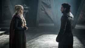 Daenerys y Jon Snow en la última temporada de Juego de Tronos.