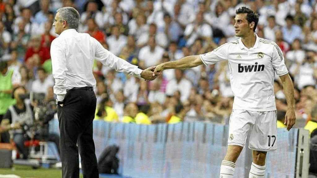 Arbeloa y Mourinho. Foto. Twitter (@aarbeloa17)