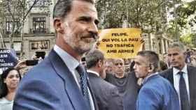 Cientos de pancartas relacionan a Felipe VI con el tráfico de armas
