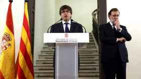 Puigdemont y Rajoy tras el gabinete de crisis por los atentados en Cataluña.