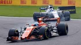 Fernando Alonso rueda durante el Gran Premio.