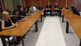 Una reunión del comité de Empresa de Eulen y el mediador de Fomento.