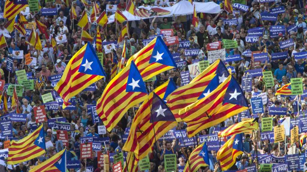Esteladas en la manifestación antiterrorista