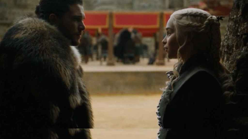 Jon y Daenerys  charlando de sus cosas