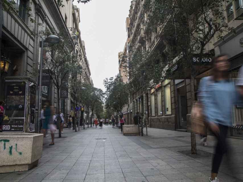 Comienzo de la calle Fuencarral, en el cruce con Gran Vía.