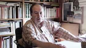 Gregorio Morán en su estudio, en una imagen de archivo.