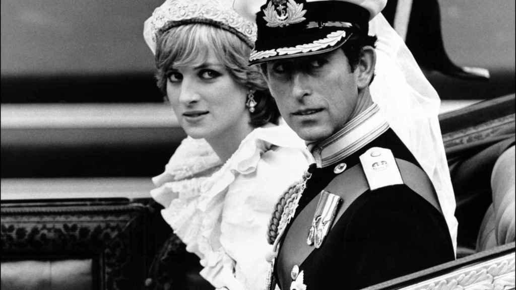 Diana y Carlos, en su boda en 1981.