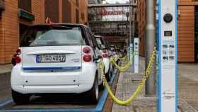 car2go-coche-electrico-cargando