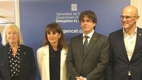 María Badia, Francesca Guardiola, Carles Puidgemont y Raúl Romeva durante el acto de inauguración de la delegación catalana en Copenhague.