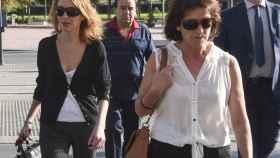 El padre de Juana, Manuel Rivas (2i), la madre, Juana Gómez (2d), y la hermana, Isabel Rivas