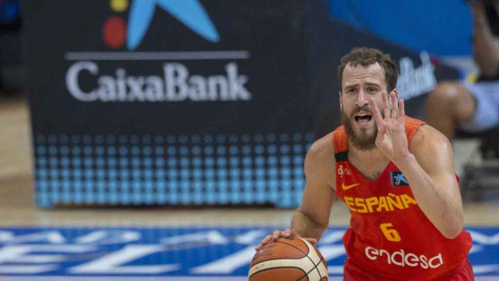 Sergio Rodríguez en un partido con España.