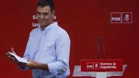 Sánchez, este lunes durante su rueda de prensa en Ferraz.