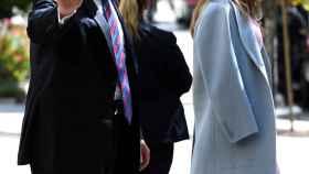 Donald Trump y su mujer, saliendo de misa el pasado domingo.