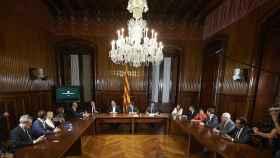 Puigdemont y Junqueras firman la convocatoria del referéndum.